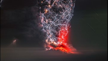 Epic photo: 'Perfect moment' snapshot shows volcano in an incredible lightning storm
