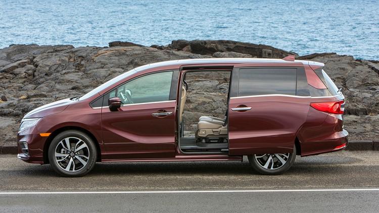Recalls Honda Com >> Honda Recalls Minivans Because Doors Can Open Unexpectedly