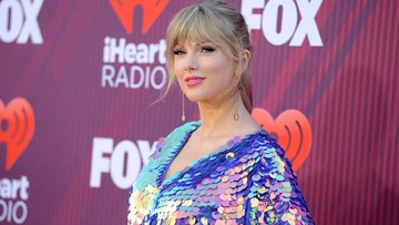 Car crashes into Taylor Swift's home after police chase