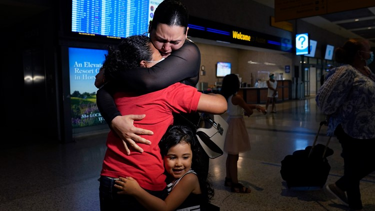 'My God, thank you' | 9-year-old reunited with mom in Austin after crossing border alone to find her