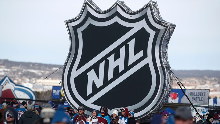 NHL condemns announcer's 'insensitive and insulting' comment about women