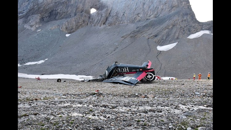 20 killed when tourist plane crashes in Swiss Alps