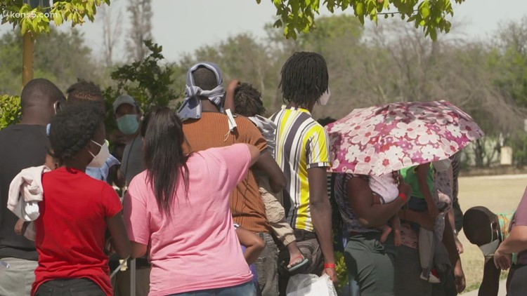 Where do the thousands of migrants who traveled to Del Rio go to next?