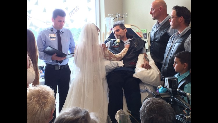 Washington man with 1 week to live marries best friend