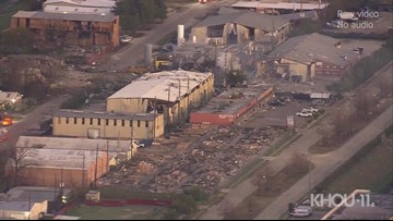 Houston explosion levels buildings, damages homes | Raw video from Air 11