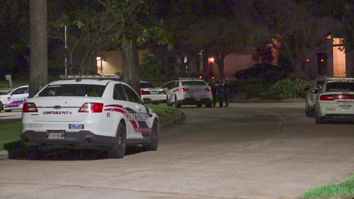 Woman hospitalized after SWAT standoff in Atascocita area