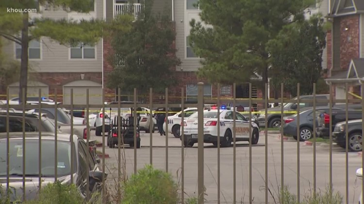 Man found shot to death at NW Harris Co. apartment complex
