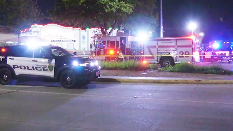 Houston police looking for suspects in 2 cars after 16-year-old is ambushed, killed