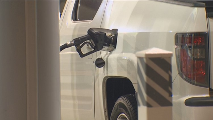 AAA: Texas retail gasoline prices fall 2 cents this week