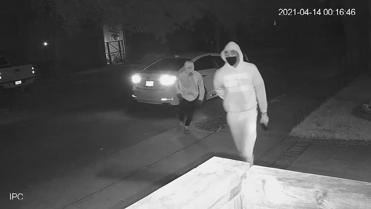 Video: Victims forced in homes during Houston armed robberies