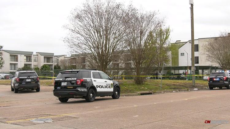 Body with gunshot wound found near apartments in southwest Houston