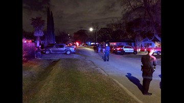 Four Houston police officers shot while serving warrant