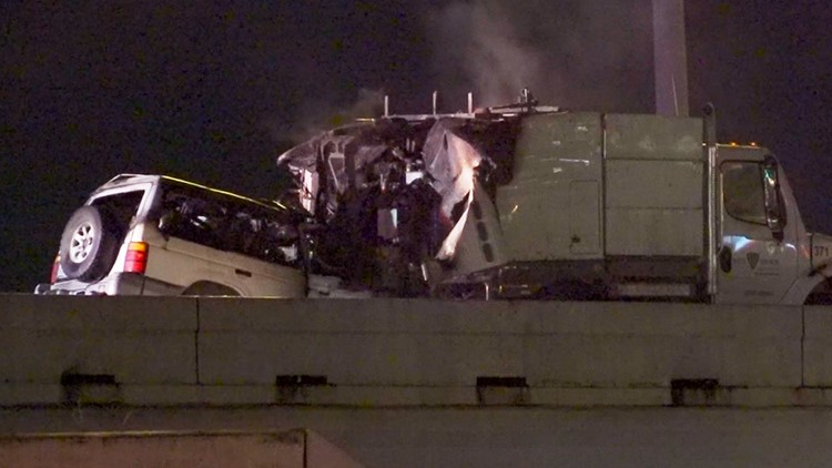 1 killed when SUV slams into back of street sweeper on I-45 in Houston | Raw scene video