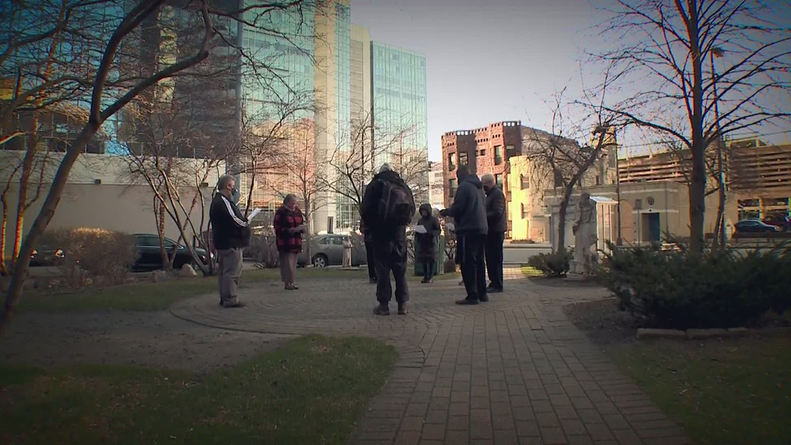 Group gathers to pray for peace, justice in Minneapolis every morning before start of Chauvin trial