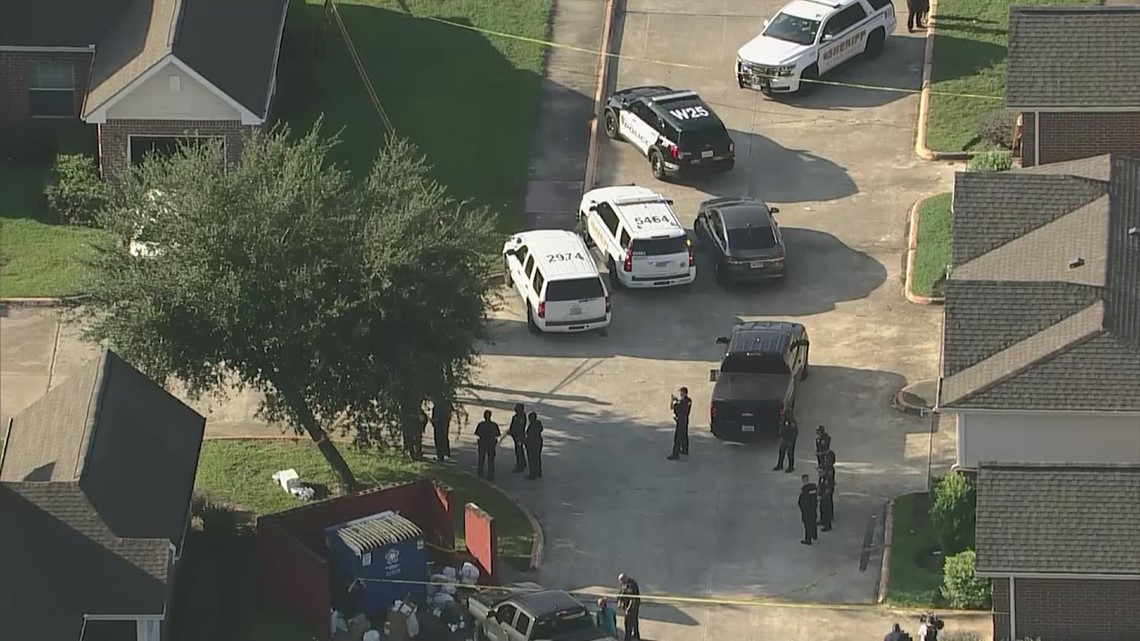 New details on shootout that left HPD officer, suspect dead