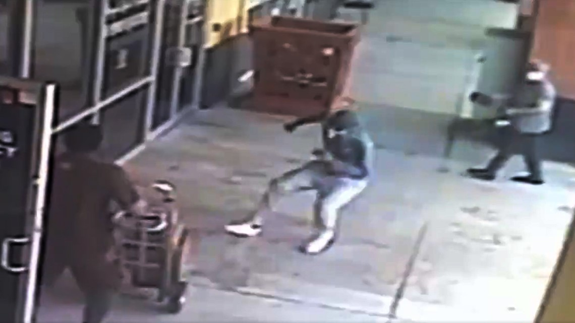 Police looking for robbers who held up delivery driver outside Houston pharmacies   Raw video
