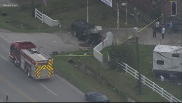 Vehicle crashes into gas meter in east Harris County