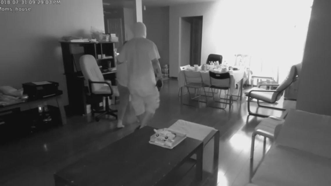 Raw: Robbery in southwest Houston