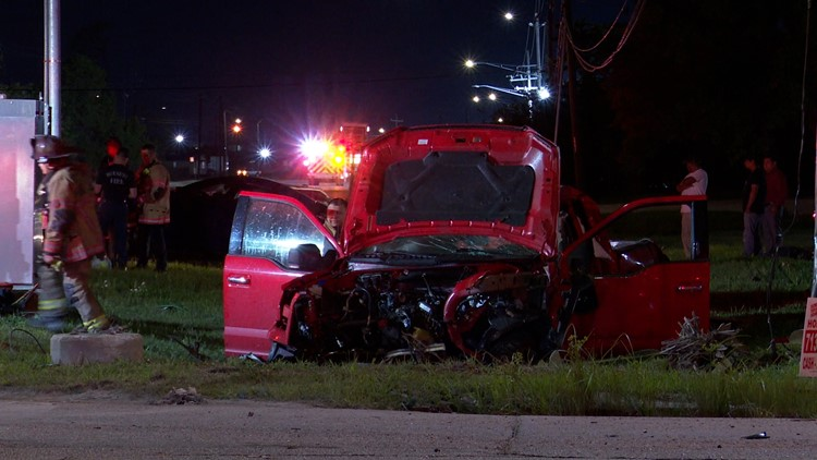 Man in critical condition among 4 hurt when pickup, car collide in northeast Houston