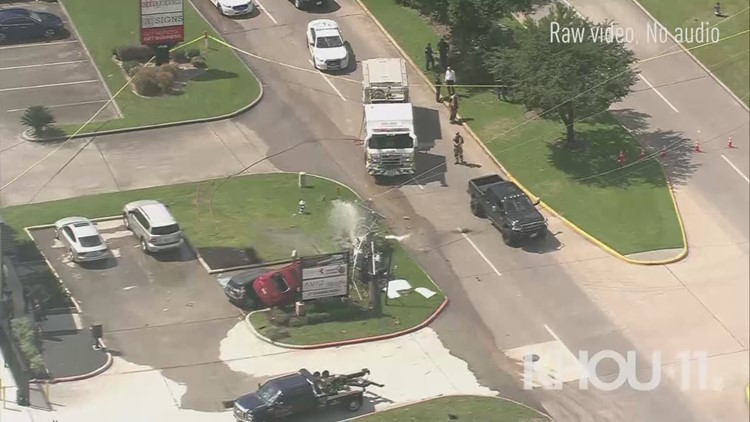 Raw: Rollover crash takes out power pole on Stuebner Airline in northwest Harris County