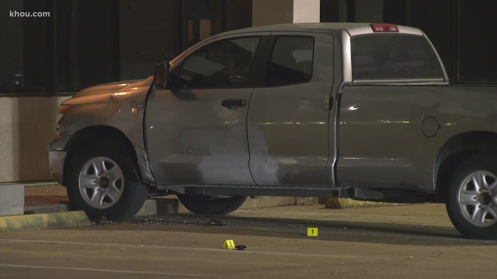 Hpd 1 Injured In Shootout With Car Part Robber On Bissonnet St Khou Com