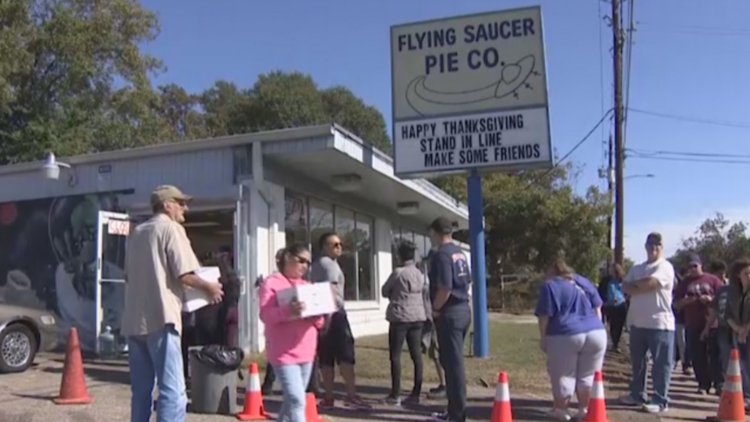 It's Thanksgiving week! That means long lines at Flying Saucer Pie Co.