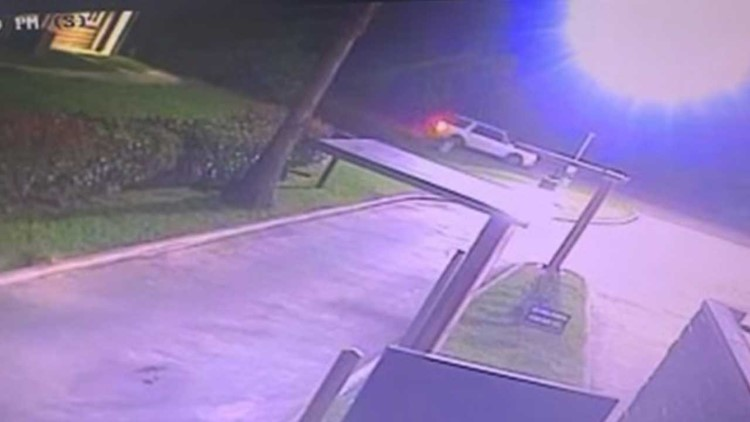 Police: Man fatally shot in League City after robbery suspects followed him from Houston