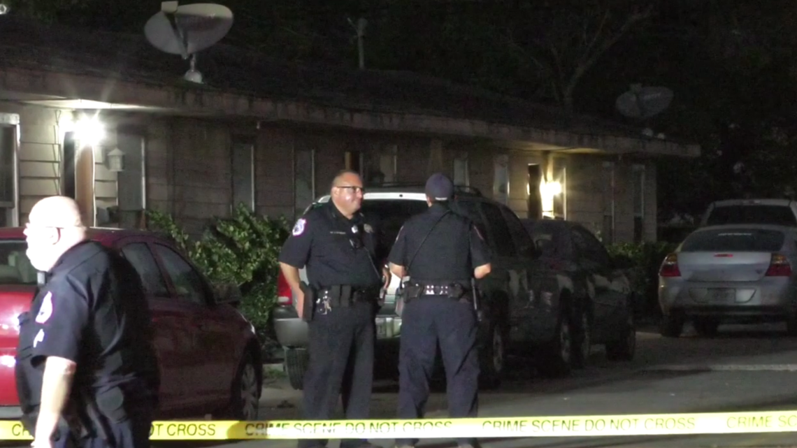 2 people dead, others hospitalized after home invasion at Texas City apartment