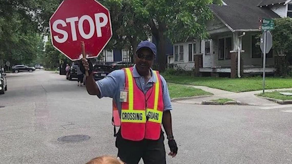 Texans Helping Texans: School steps up to help beloved crossing guard