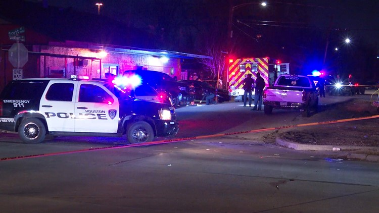 HPD: Man killed when fight leads to shooting at family gathering outside Houston club