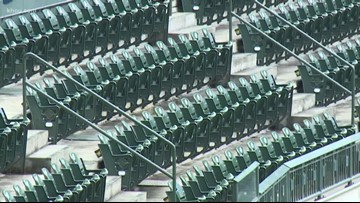 Astros fans ready to bring home seats from Minute Maid Park