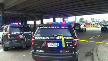 1 killed, 2 injured in downtown Houston shooting, HPD says