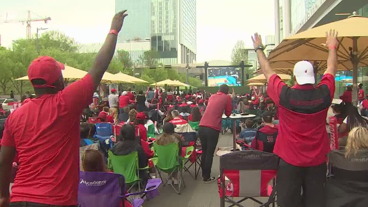 Fans outside GRB cheer on Coogs in the Final Four