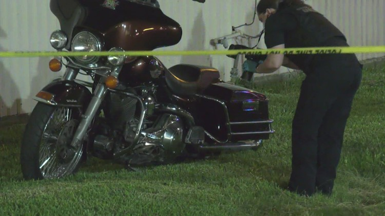 Motorcyclist shot to death while stopped at traffic light in NW Houston, HPD says