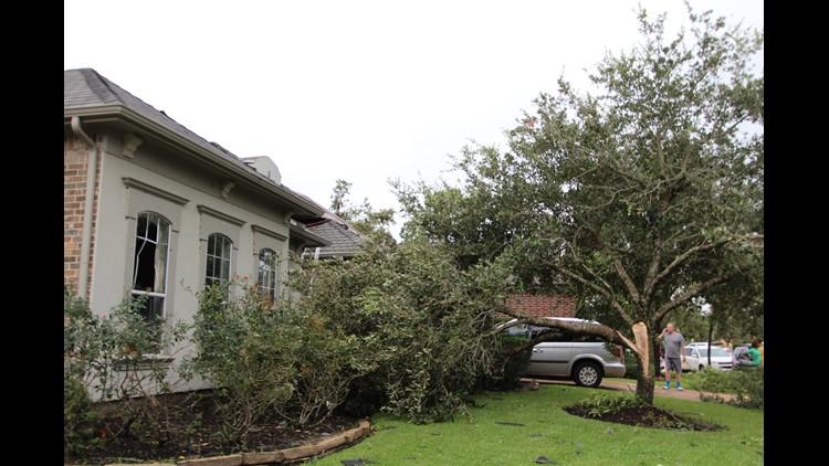 Photos: Hurricane Harvey leaves storm damage in Sienna ...