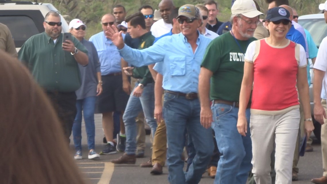 George strait returning to houston livestock show rodeo in 2019 photos george strait joins texas governor for visit to rockport m4hsunfo