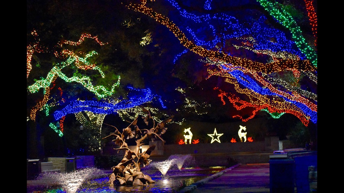 Photos Take A Look At This Year S Houston Zoo Lights Khou Com