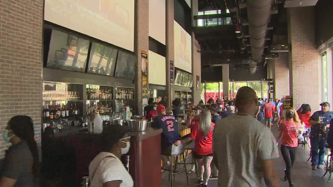 Bars prepare for Astros fans as they return to Minute Maid Park for home opener