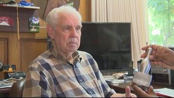 Apollo 11 flagpole maker, 89, still reaches for stars