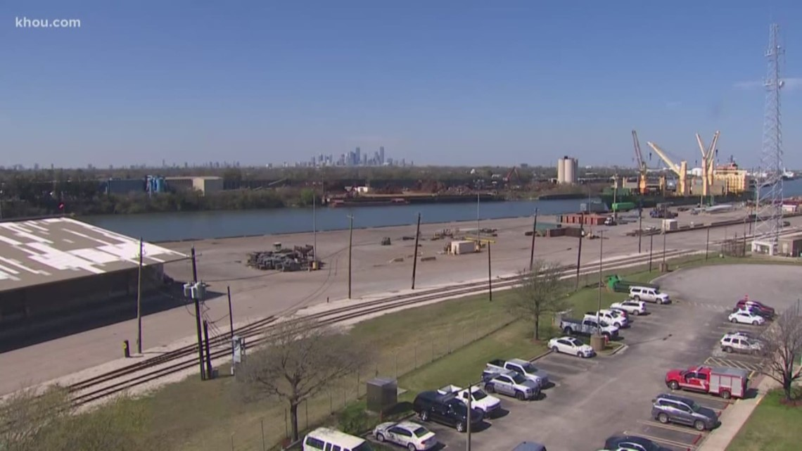 House Speaker Nancy Pelosi, business leaders discuss infrastructure improvements at Port of Houston