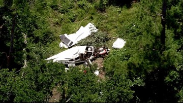 Pilot airlifted to hospital, passenger found dead after plane crash in Walker County