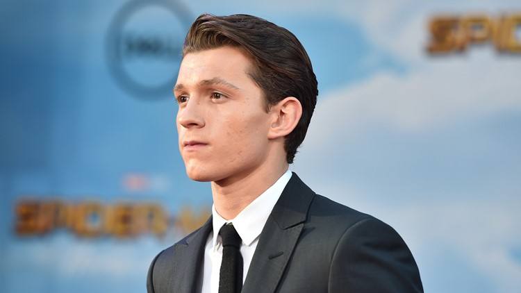 Spider Man S Tom Holland Swings Into Comicpalooza 2018
