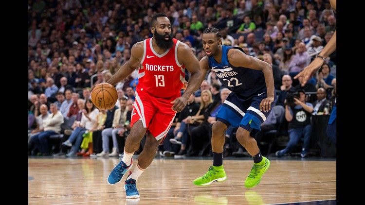 Chris Paul scored 15 of his 25 points in the near-record third for the Rockets, who turned a 50-49 halftime edge into a 31-point advantage after the torrid 12-minute span.