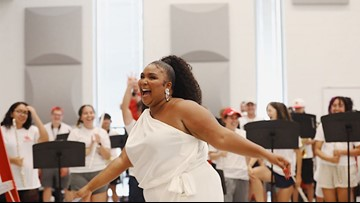 Lizzo in the house! Singer, raptress visits University of Houston band hall