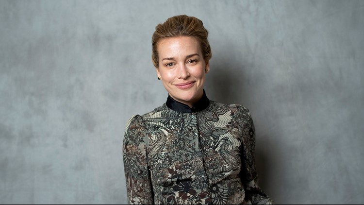 Actress Piper Perabo arrested for protesting Kavanaugh's court confirmation