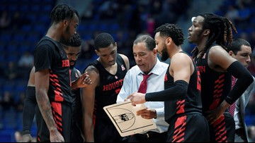Whose house?! Kelvin Sampson signs multi-year extension to stay as UH men's basketball coach