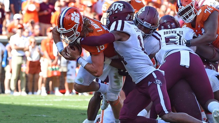 No 1 Clemson Lawrence Dominate 12th Ranked Aggies 24 10