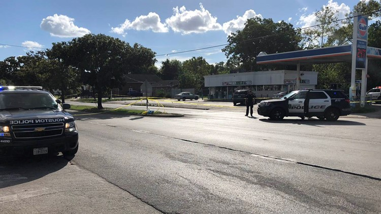 Houston Police say it happened around 2:45 p.m. at the restaurant located in the 2500 block of the South Loop West.