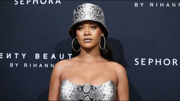 Report: Rihanna declined Super Bowl Halftime show in solidarity with Colin Kaepernick