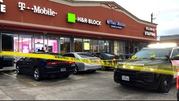 Child in McDonald's drive-thru shot during robbery attempt